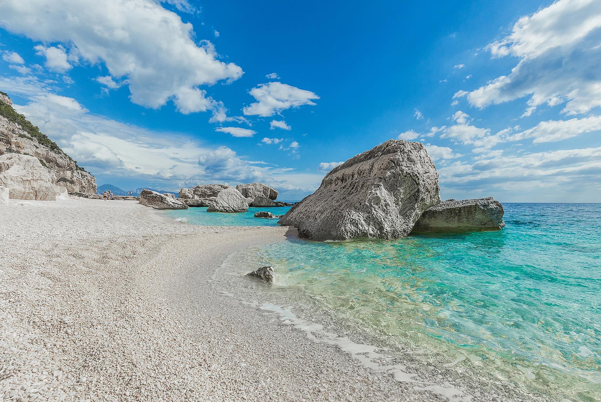 Spiaggia solitaria Cala-Mariolu