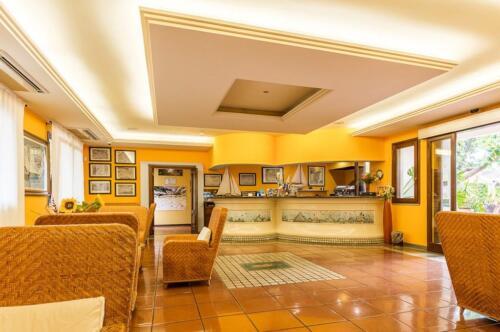 albergo-santa-maria-santa-maria-navarrese-hall-2-1024x680