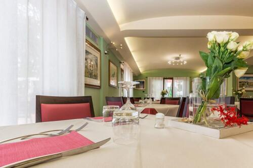 albergo-santa-maria-santa-maria-navarrese-ristorante-1-1024x680