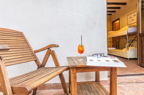 albergo-santa-maria-santa-maria-navarrese-terrazza-camere-1024x680