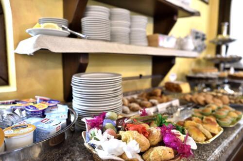 hotel-nicoletta-santa-maria-navarrese-sardegna-la-colazione8
